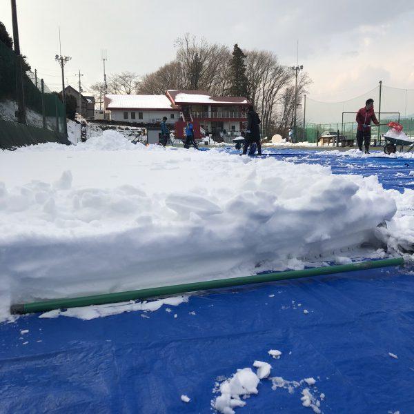 雪のお出迎え…